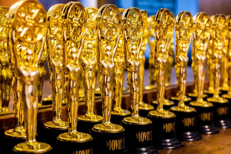 #Oscarstatues