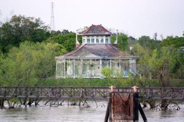 #steamerhouse